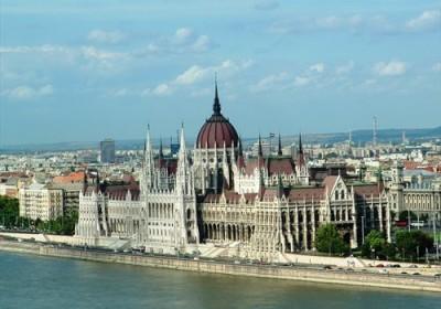 Budapest visita guidata al maestoso palazzo del for Struttura del parlamento